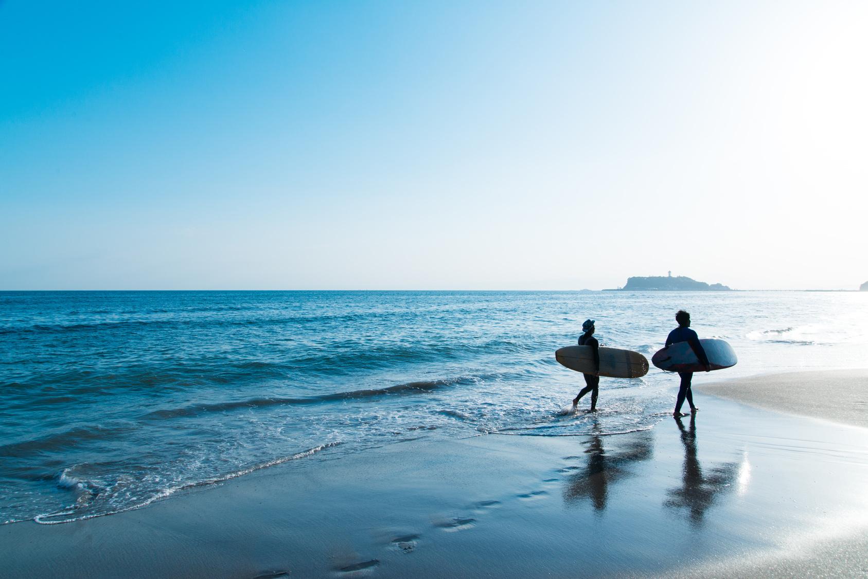 街コンレポート_七里ヶ浜のサーファー