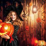 街コンレポート_仮装をしてかぼちゃを抱えている少女