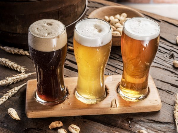街コンレポート_3種類のビールが並んでいる