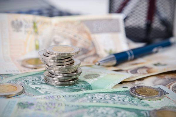 街コンレポート_お札とコインとボールペン