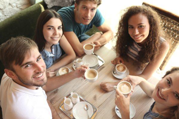 街コンレポート_男女5人でカフェにいます